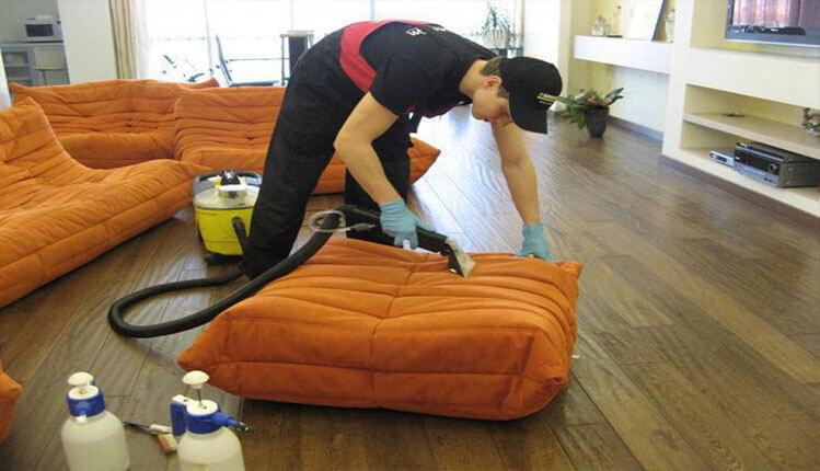 Химчистка (чистка) диванных подушек